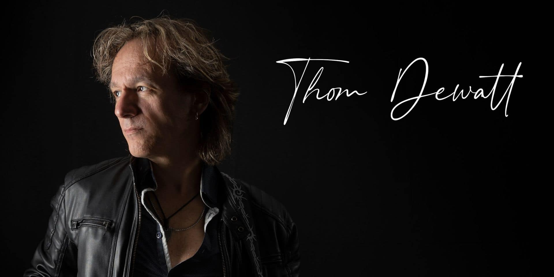 """Thom Dewatt, le multi-instrumentiste belge des stars de la chanson française """"On n'a pas attendu le Covid pour être en crise"""""""