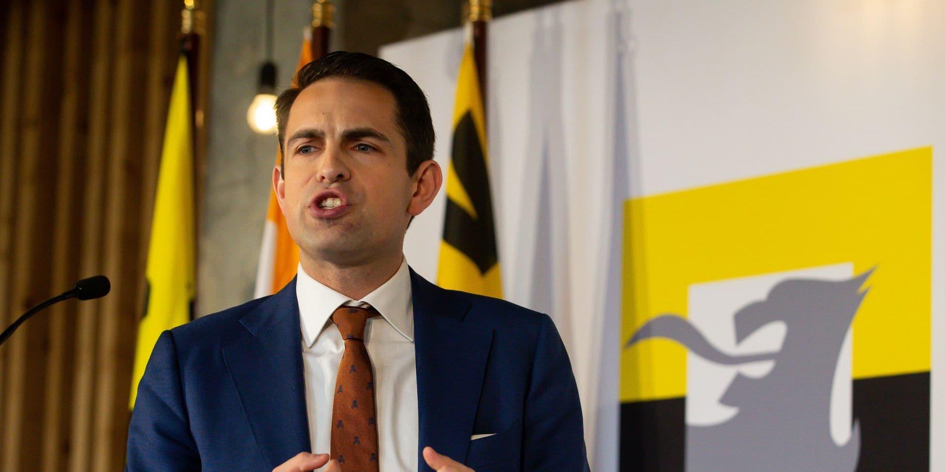 Le Vlaams Belang toujours plus populaire en Flandren la N-VA en recul