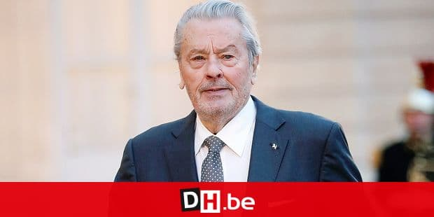 French actor Alain Delon arrives to attend a state dinner at the Elysee Palace, in Paris, Monday, March 25, 2019. Chinese President Xi Jinping is on a 3-day state visit in France where he is expected to sign a series of bilateral and economic deals on energy, the food industry, transport and other sectors. (AP Photo/Thibault Camus)
