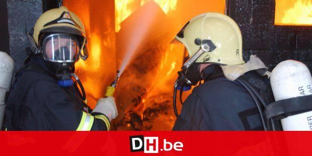 L'ecole de feu en demonstration ( ANPI ) / incendie / pompier DH 06/10/01