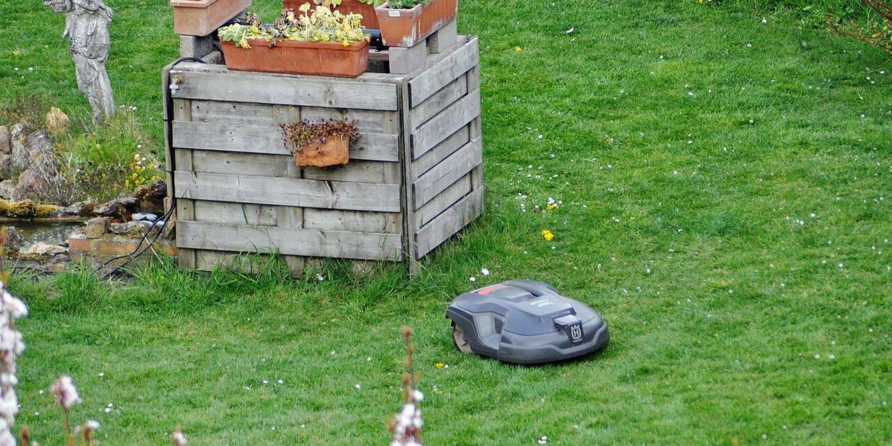 La Ville de Nivelles entame une réflexion sur les robots tondeuses