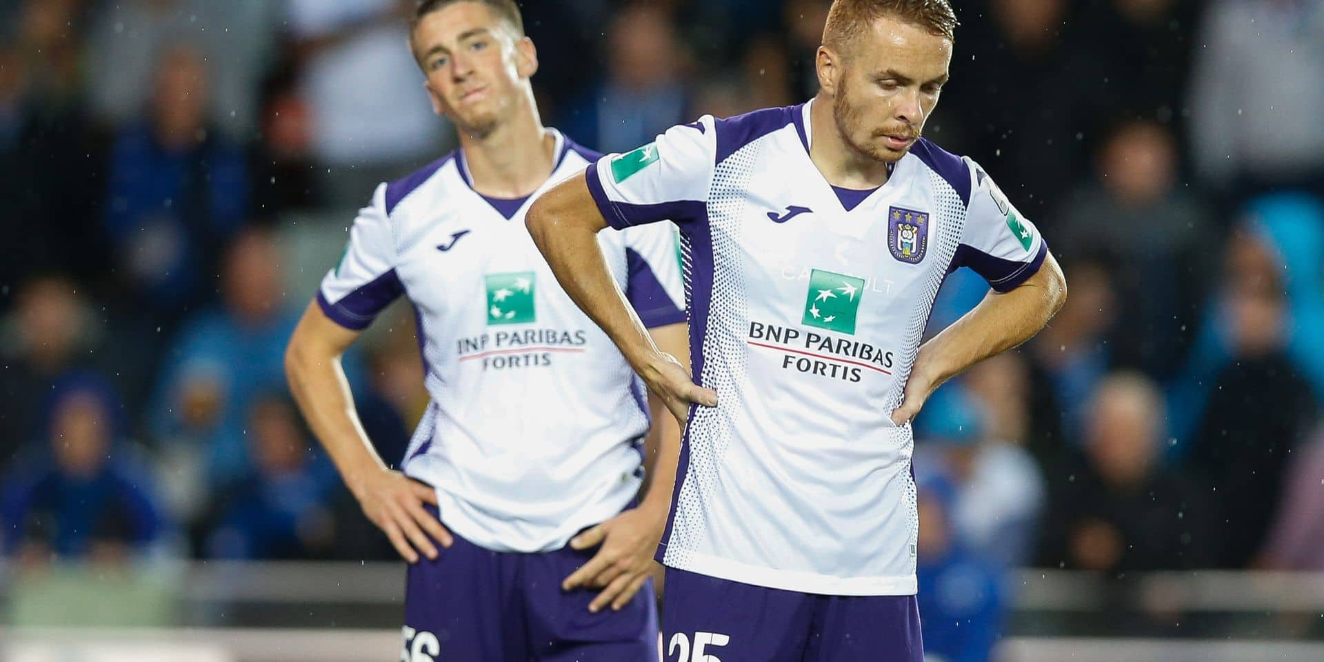 Club's players look dejected during a soccer match between Club Brugge KV and RSC Anderlecht, Sunday 22 September 2019 in Brugge, on day eight of the 'Jupiler Pro League' Belgian soccer championship season 2019-2020. BELGA PHOTO BRUNO FAHY