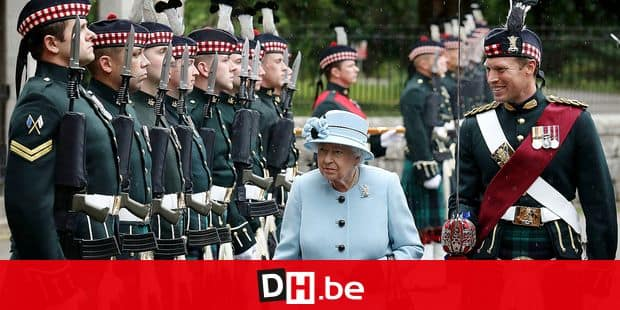 Britain's Queen Elizabeth II inspects the Balaklava Company, 5 Battalion The Royal Regiment of Scotland, at the gates of the Balmoral estate, near Edinburgh, Scotland, Tuesday Aug. 6, 2019. The Queen traditionally takes up residence for the summer season each year at the Balmoral castle. (Andrew Milligan/PA via AP)