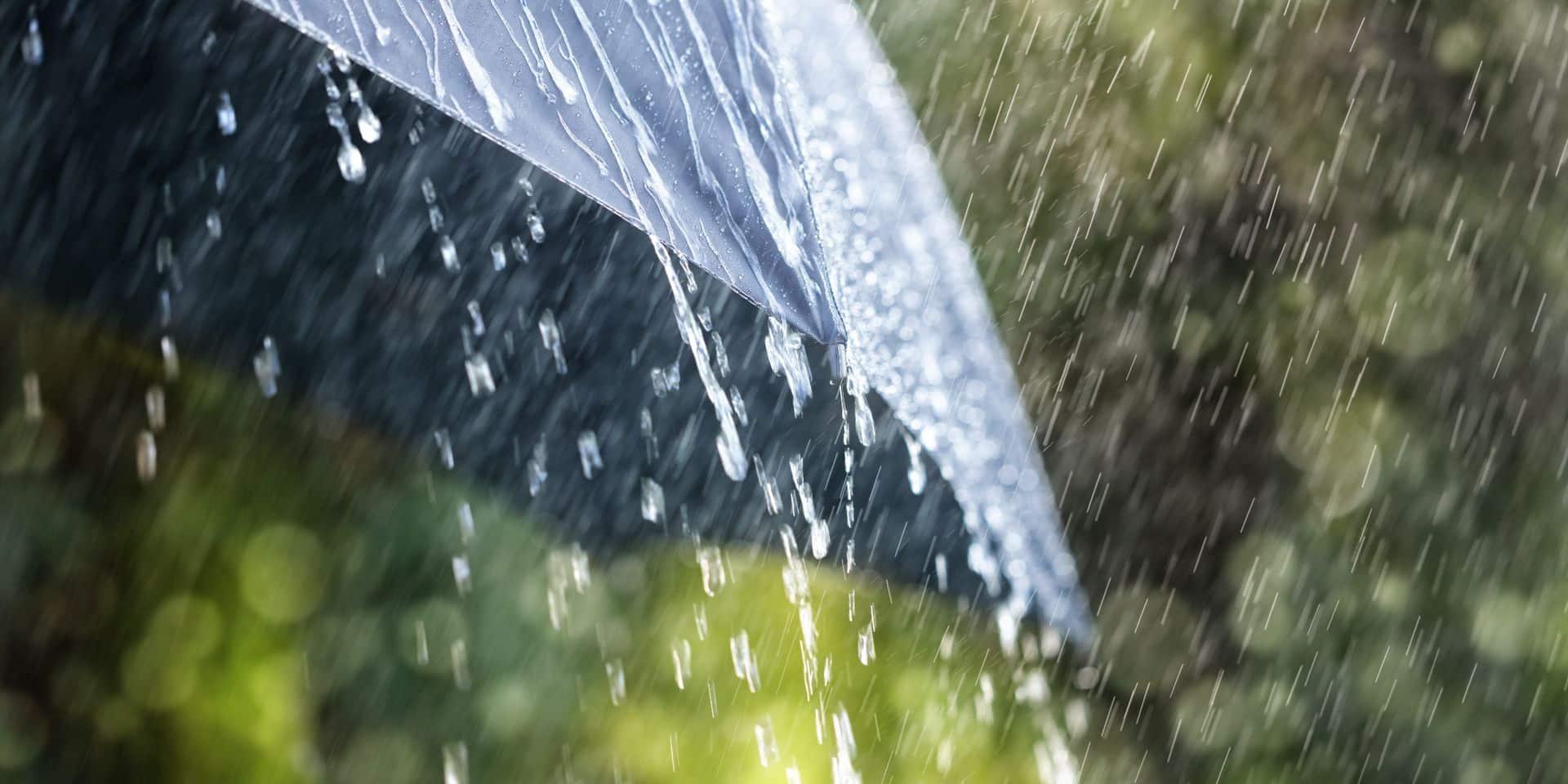 Météo: l'automne s'installe confortablement, la pluie tombe abondamment