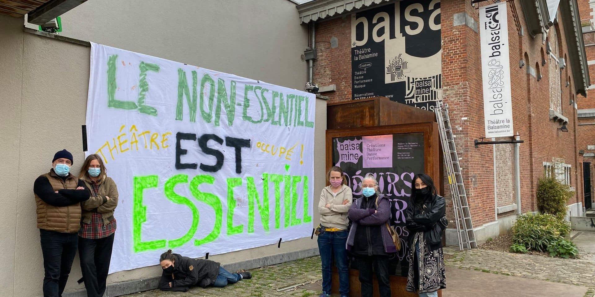 """Occupation du théâtre de la Balsamine à Schaerbeek : """"On a la sensation d'être des variables d'ajustements"""""""