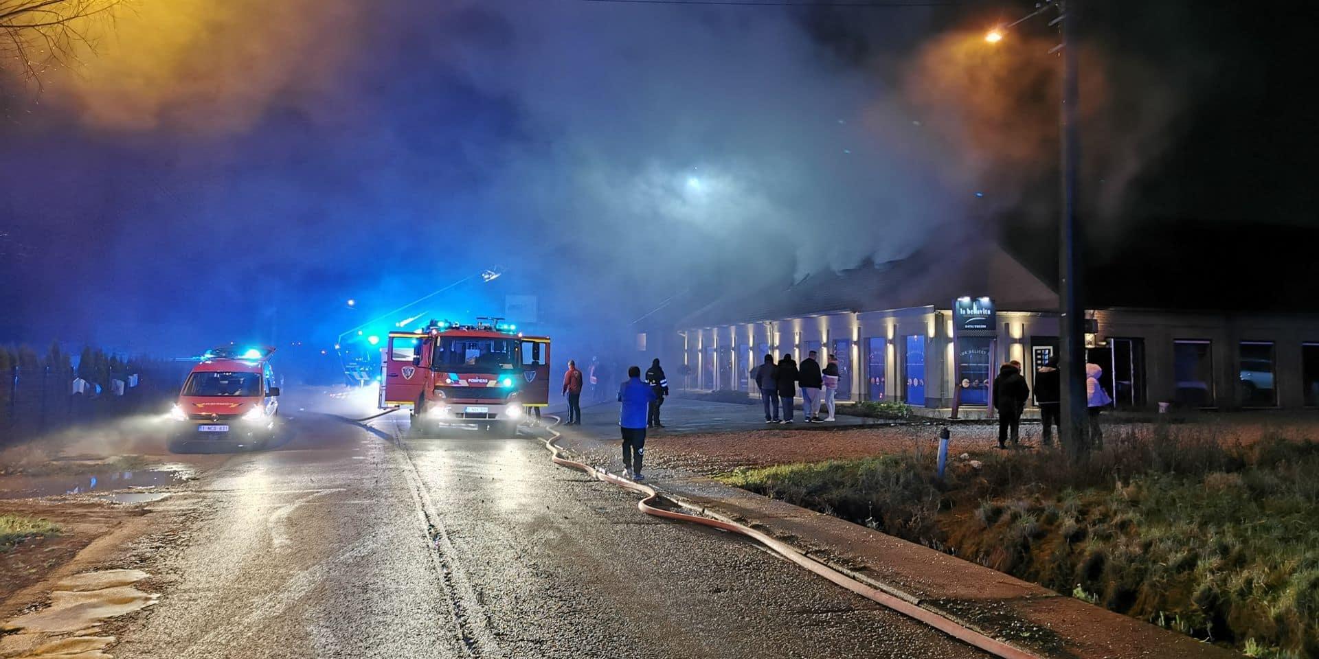 Incendie criminel à Forchies-la-Marche: des témoins ont vu un homme tenant un bidon d'essence s'enfuir à toutes jambes