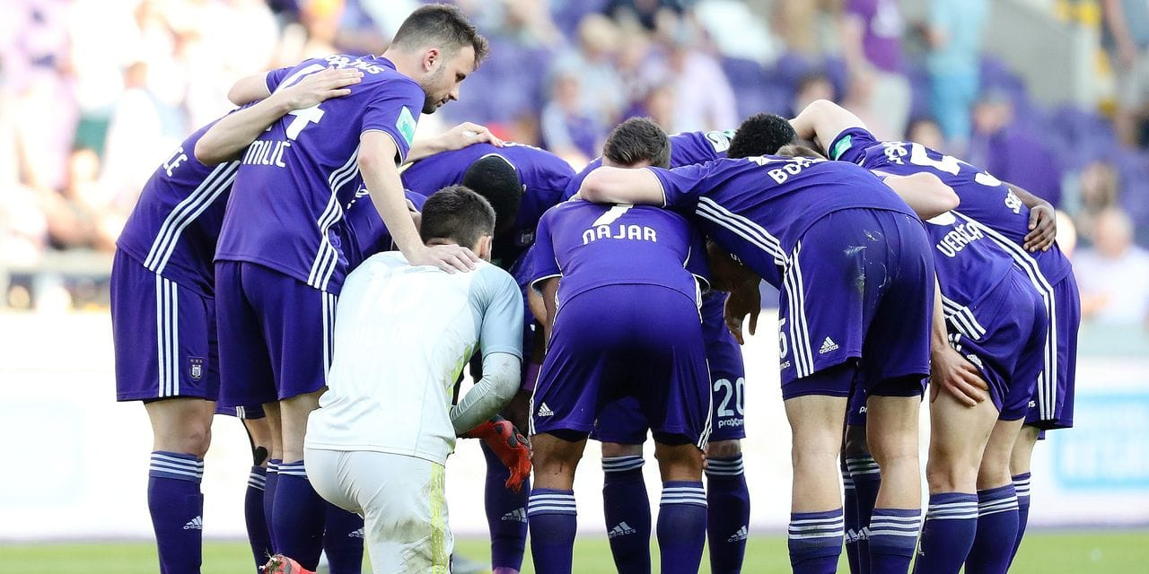 Anderlecht's players pictured during a soccer match between RSC Anderlecht and KAA Gent, Sunday 21 April 2019 in Brussels, on day 5 (out of 10) of the Play-off 1 of the 'Jupiler Pro League' Belgian soccer championship. BELGA PHOTO VIRGINIE LEFOUR