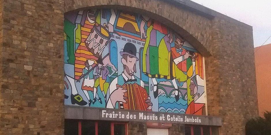 PAS FINI Avez-vous vu la nouvelle fresque à Jambes?