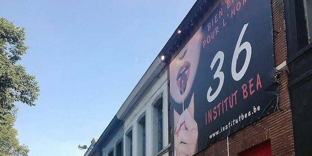 Tournai : L'institut Béa prié de retirer la bâche - La DH