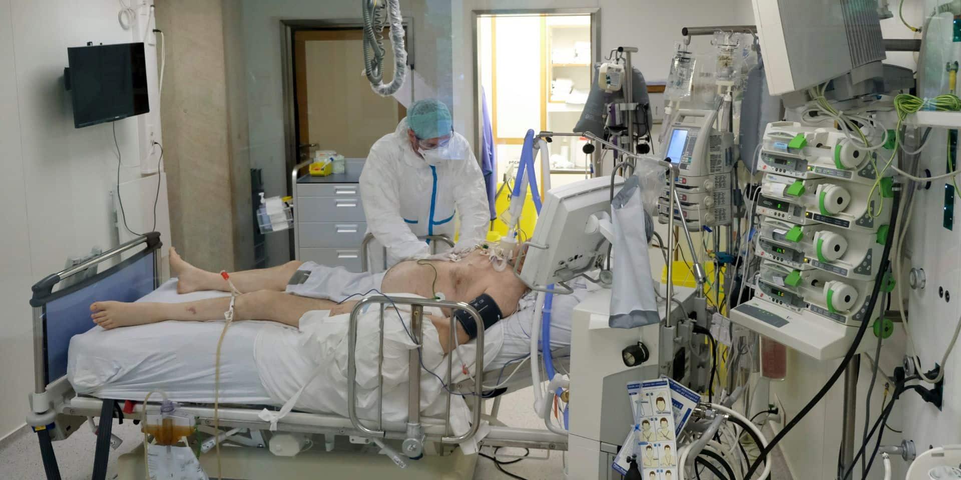 Coronavirus: une dizaine de décès en moyenne par jour en Belgique, les contaminations continuent d'augmenter
