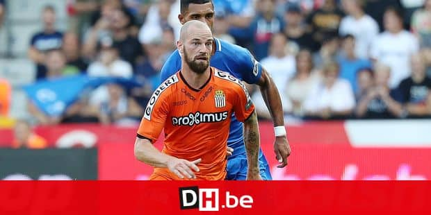 Charleroi's Dorian Dessoleil and Genk's Zinho Gano fight for the ball during the Jupiler Pro League match between RC Genk and Sporting Charleroi, in Genk, Sunday 19 August 2018, on the fourth day of the Jupiler Pro League, the Belgian soccer championship season 2018-2019. BELGA PHOTO VIRGINIE LEFOUR