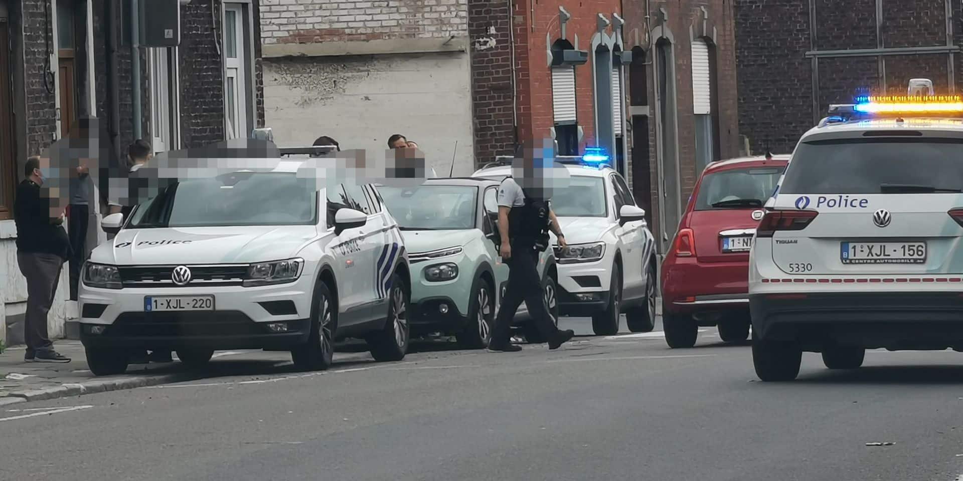Une jeune fille mineure emmenée à l'hôpital: la police présente en nombre à Gilly