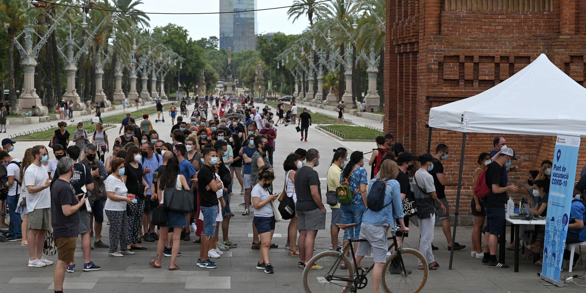 L'Espagne veut accélérer la vaccination des jeunes pour éviter une nouvelle vague du Covid-19