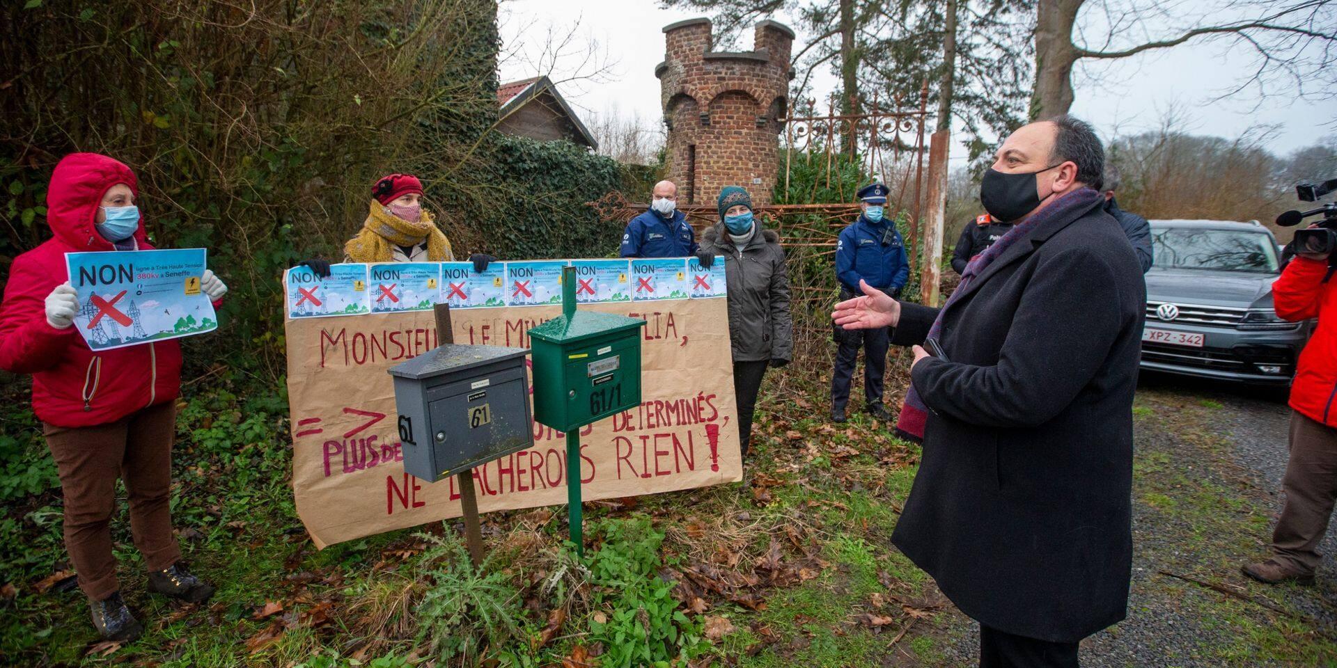 Boucle du Hainaut: un comité d'accueil pour le ministre à Seneffe et Ecaussinnes