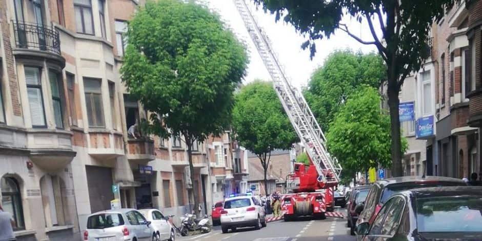 Schaerbeek : Une toiture prend feu rue Portaels