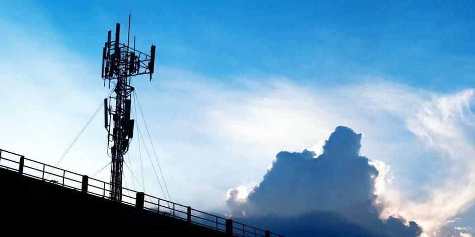 Le gouvernement bruxellois valide un relèvement de la norme d'émissions pour la 5G