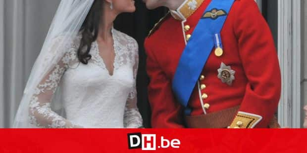 Prince William and his wife Catherine Middleton, who has been given the title of Duke and Duchess of Cambridge, kiss on the balcony of Buckingham Palace, following their wedding at Westminster Abbey, in London, UK on April 29, 2011. Photo by Christophe Guibbaud/ABACAPRESS.COM abaca / Reporters Ref: 272911_001