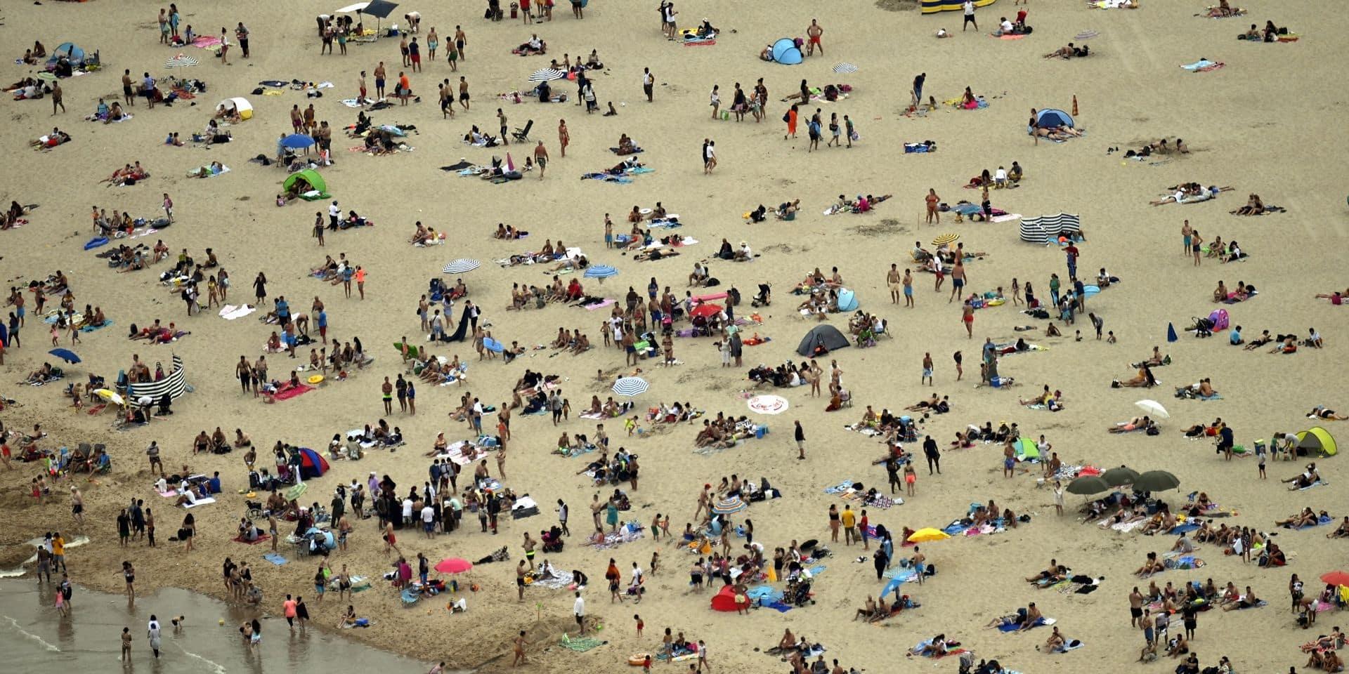 """Une amende de 400 euros pour avoir bu du vin sur la plage en France: """"On en a ras-le-bol"""""""