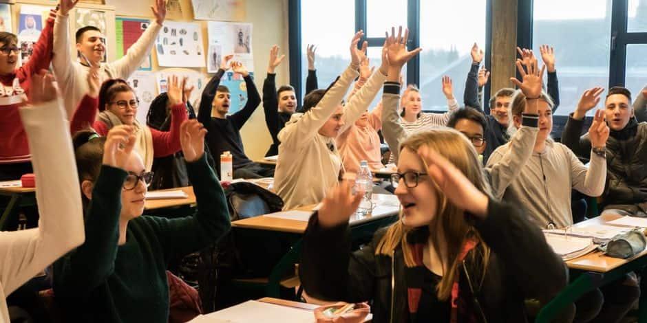 La Louvière: les élèves enfilent leurs pulls et s'engagent pour le climat