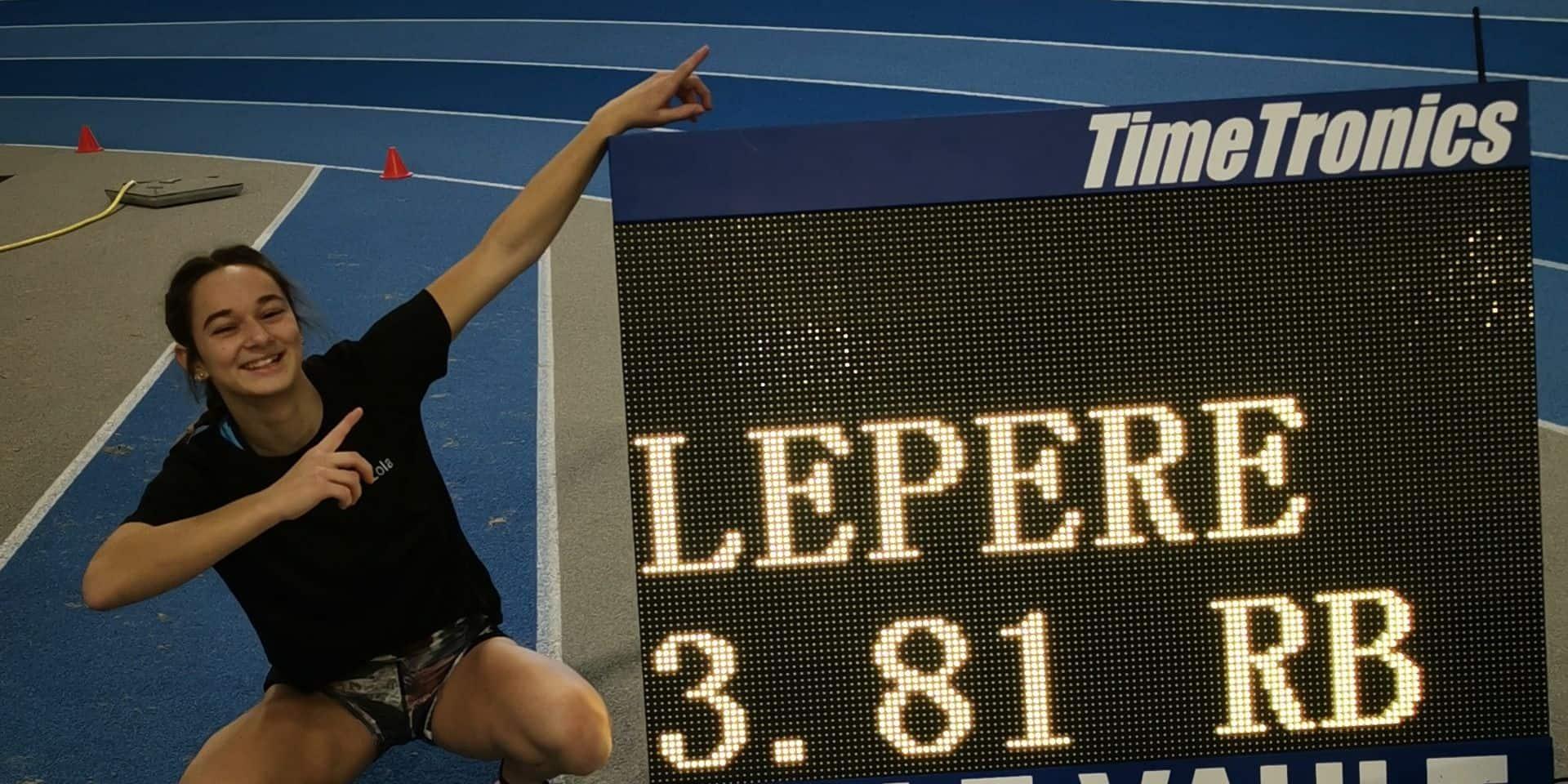 Saut à la perche: quatre records de Belgique pour Lola Lepère