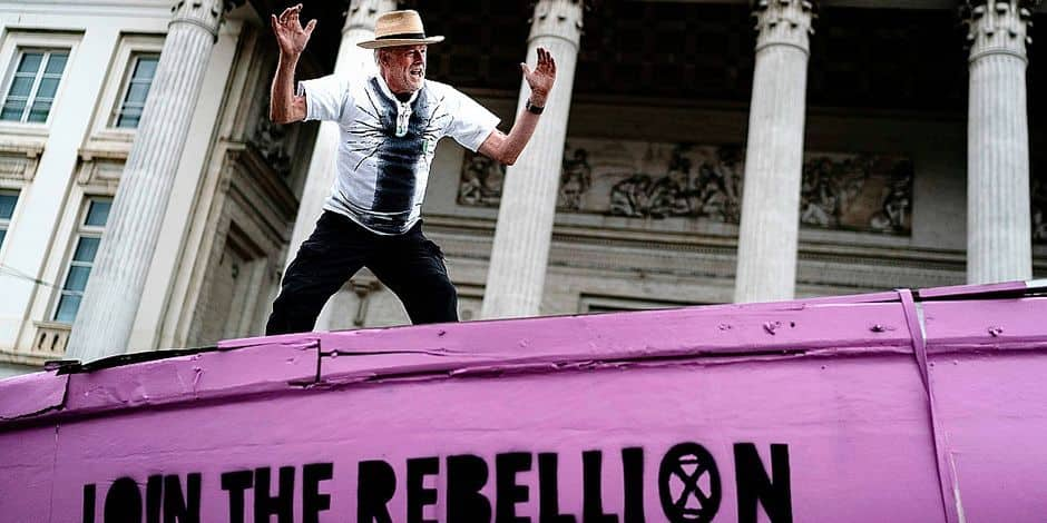 Bruxelles-Ville : Une performance d'Extinction Rebellion sur la Grand-Place