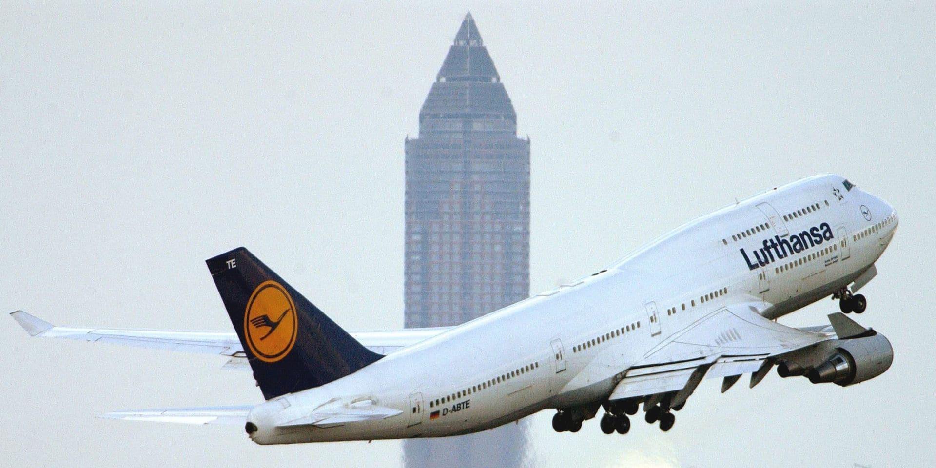 Lufthansa durcit les règles autour du masque