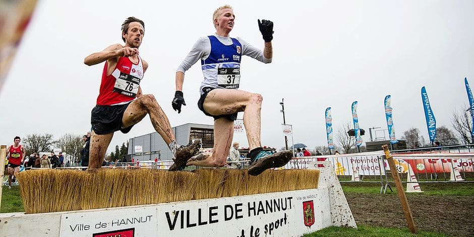 20160124 - HANNUT, BELGIUM: Belgian Jean-Pierre Weerts and Sam Valgaeren pictured in action during the men's race at the fifth stage of the 'Lotto CrossCup' cross country running competition, in Hannut, Sunday 24 January 2016. BELGA PHOTO JASPER JACOBS