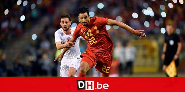 Belgium's midfielder Nacer Chadli (R) vies with Portugal's midfielder Bernardo Silva during the friendly football match between Belgium and Portugal, on June 2, 2018 at the King Baudouin stadium in Brussels. / AFP PHOTO / JOHN THYS