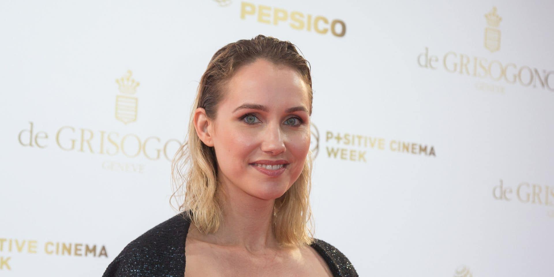 Sand Van Roy, l'actrice qui accuse Luc Besson d'agression sexuelle, livre un message puissant sur le tapis rouge de Cannes