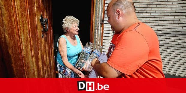 page mons/distribution d'eau aux personnes agŽes par le cpas de Binche