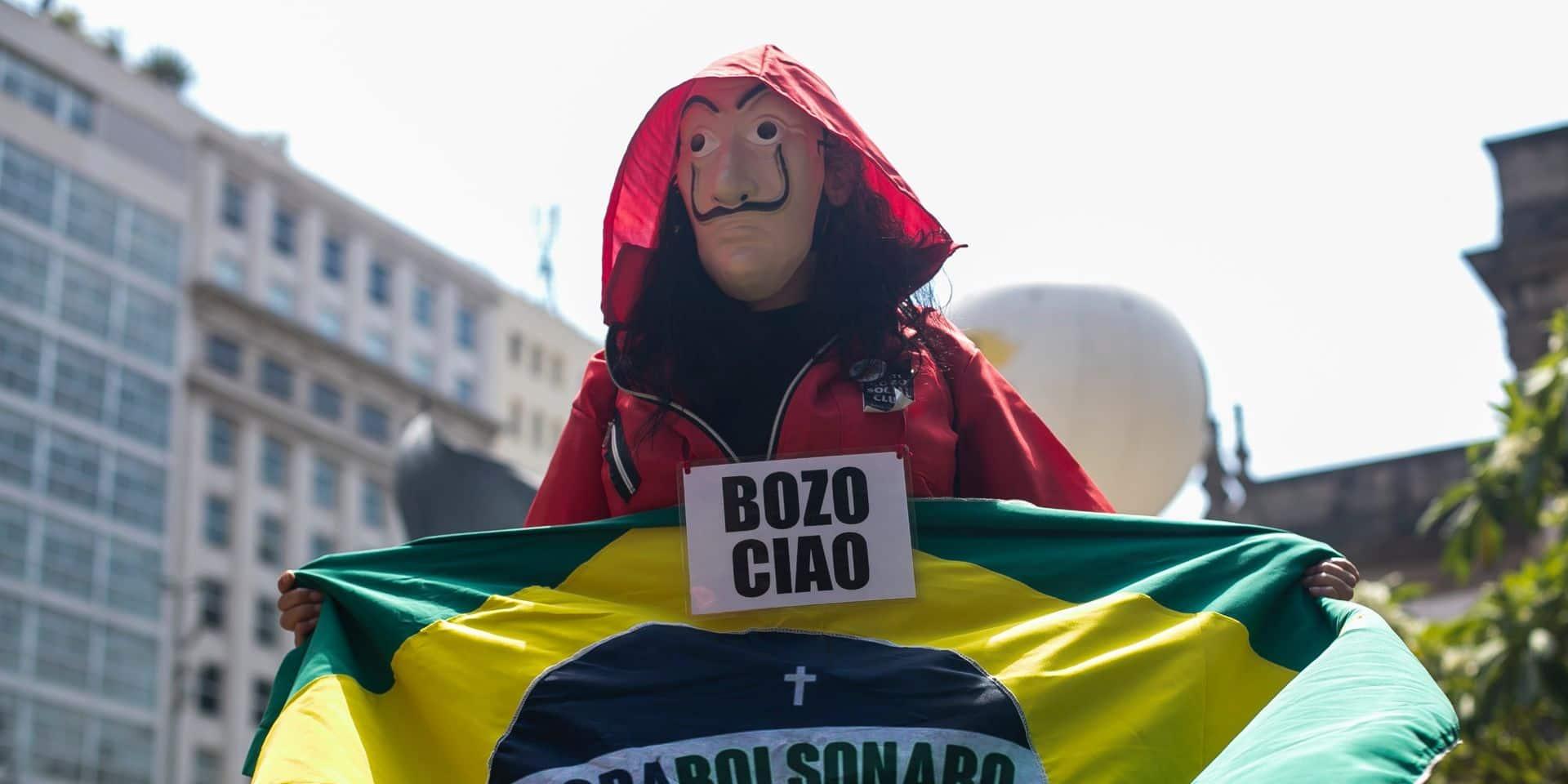 """""""Bolsonaro dehors"""": des dizaines de milliers de Brésiliens ont manifesté pour destituer leur président"""