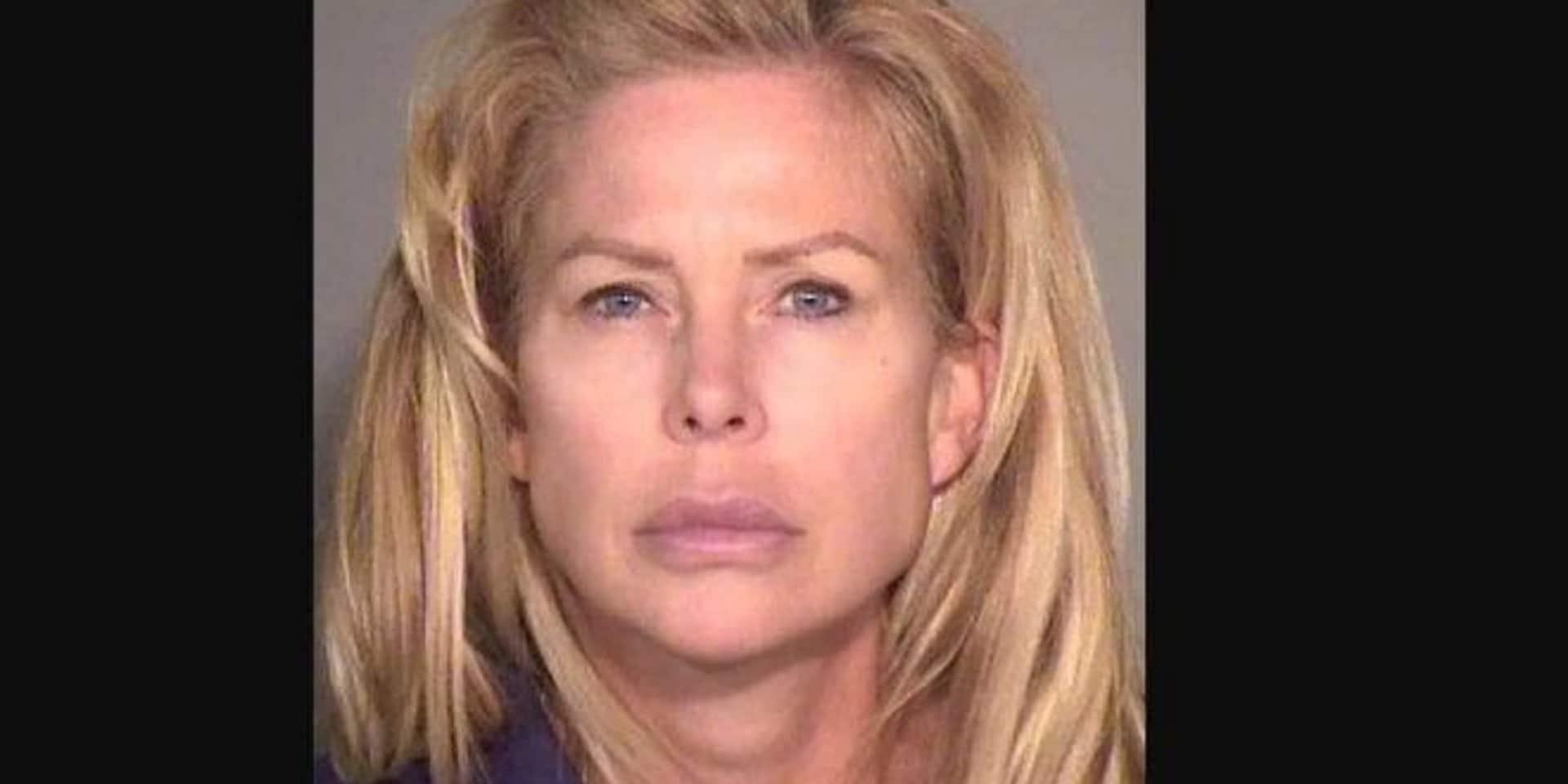 Cette femme a été arrêtée car elle est soupçonnée d'avoir couché avec des amis de son fils de 14 ans