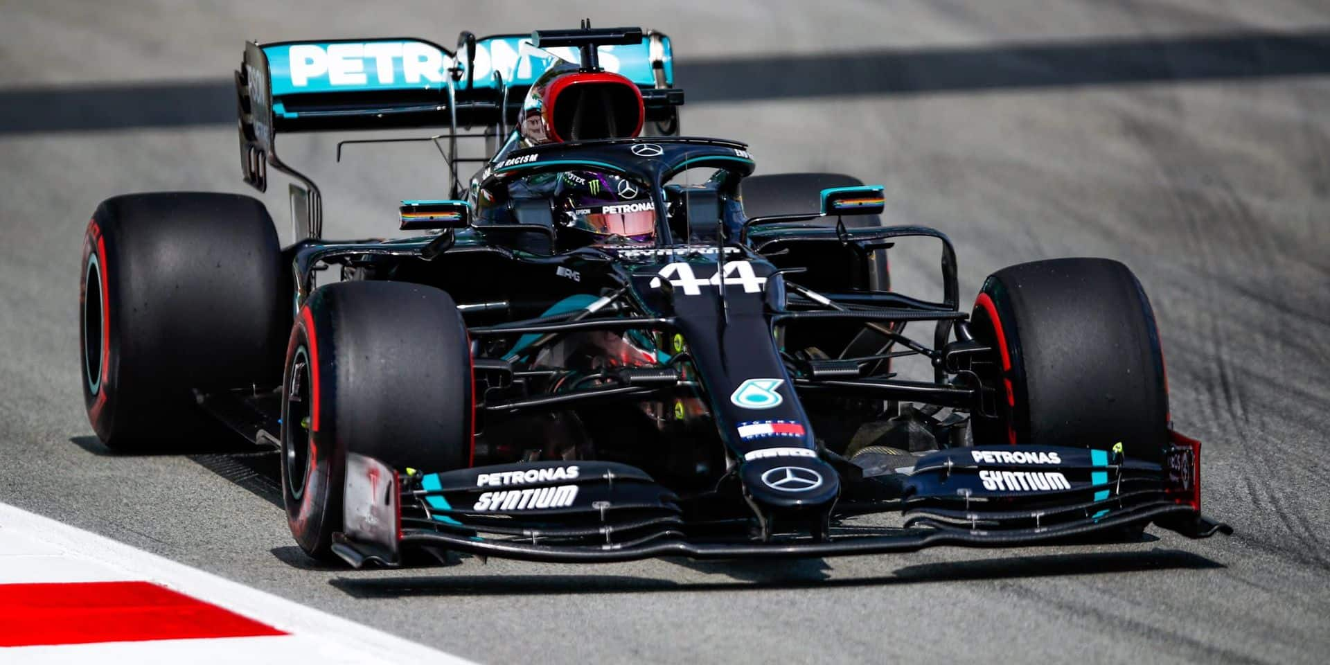 GP d'Espagne (Libres 2) : les Mercedes continuent de parader, l'écart se resserre légèrement