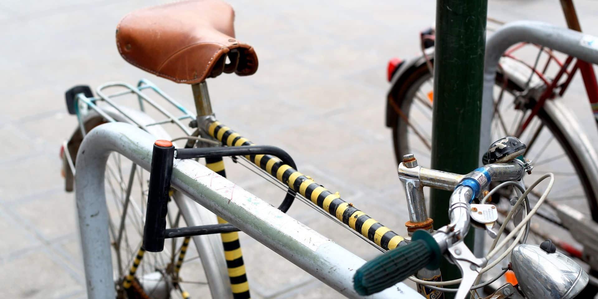 La police arrête un voleur en série de vélos dans le centre ville