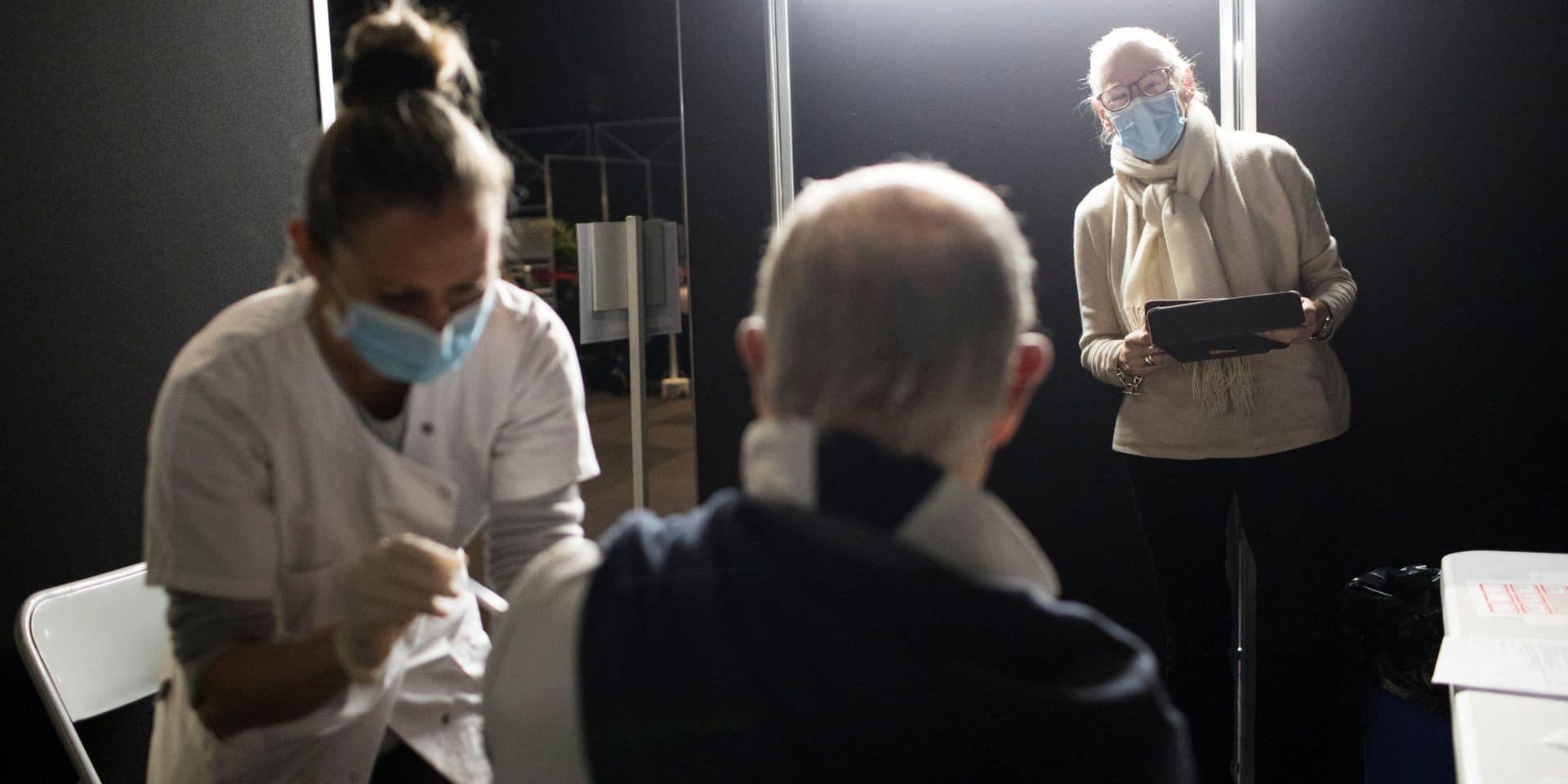 9 personnes âgées sont décédées en France après avoir été vaccinées contre le Covid: ce que l'on sait
