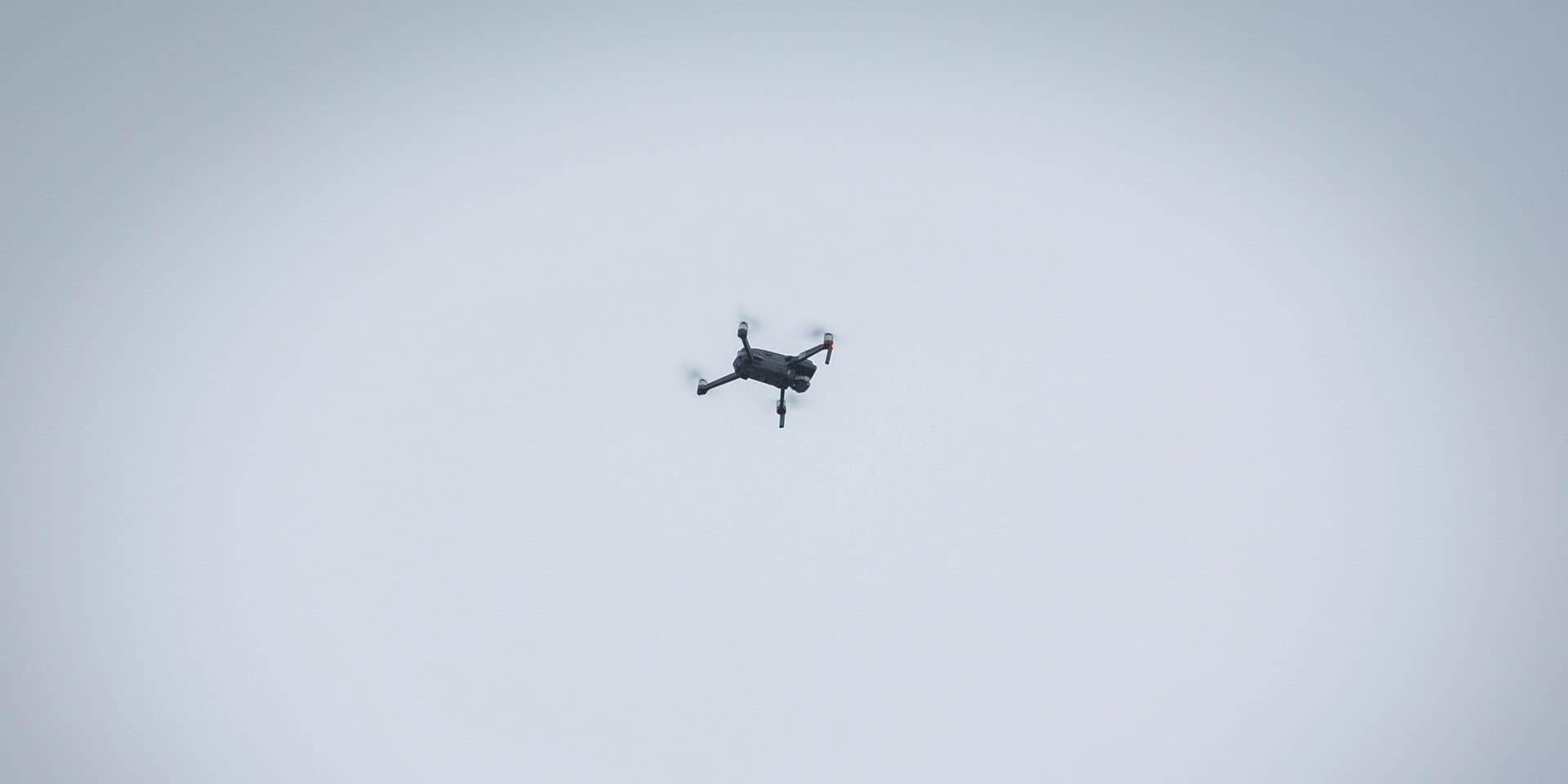 """Des drones au-dessus des jardins pour contrôler la population ? """"Ça va trop loin"""""""