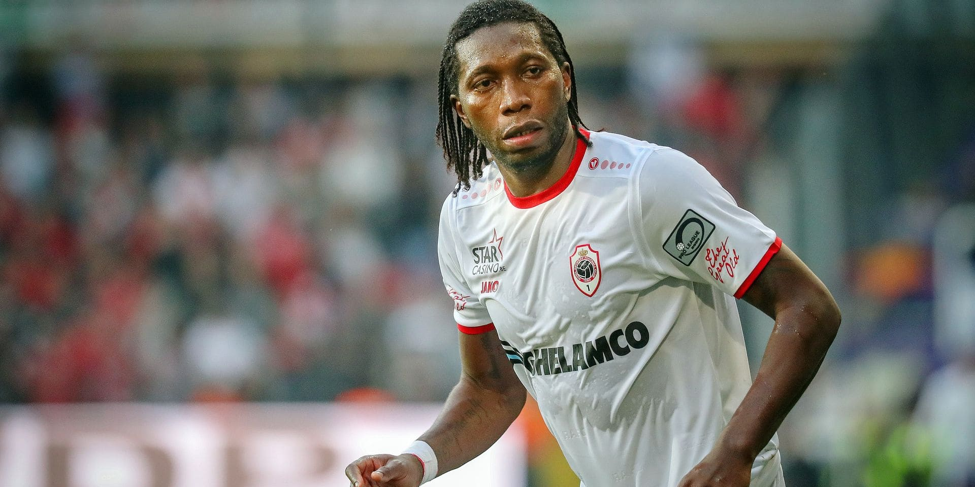 Antwerp's Dieudonne Mbokani Bezua pictured during a soccer match between RSC Anderlecht and Royal Antwerp FC, Sunday 07 April 2019 in Brussels, on day 3 (out of 10) of the Play-off 1 of the 'Jupiler Pro League' Belgian soccer championship. BELGA PHOTO VIRGINIE LEFOUR
