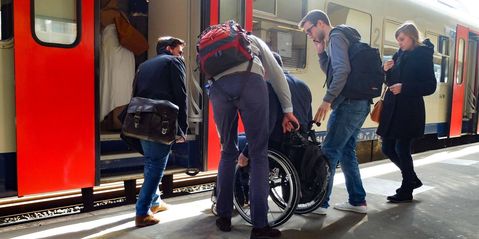 """Voici le plan de la SNCB pour améliorer la mobilité des PMR sur le rail, """"un manager accessibilité va être nommé, on l'attend avec impatience"""""""