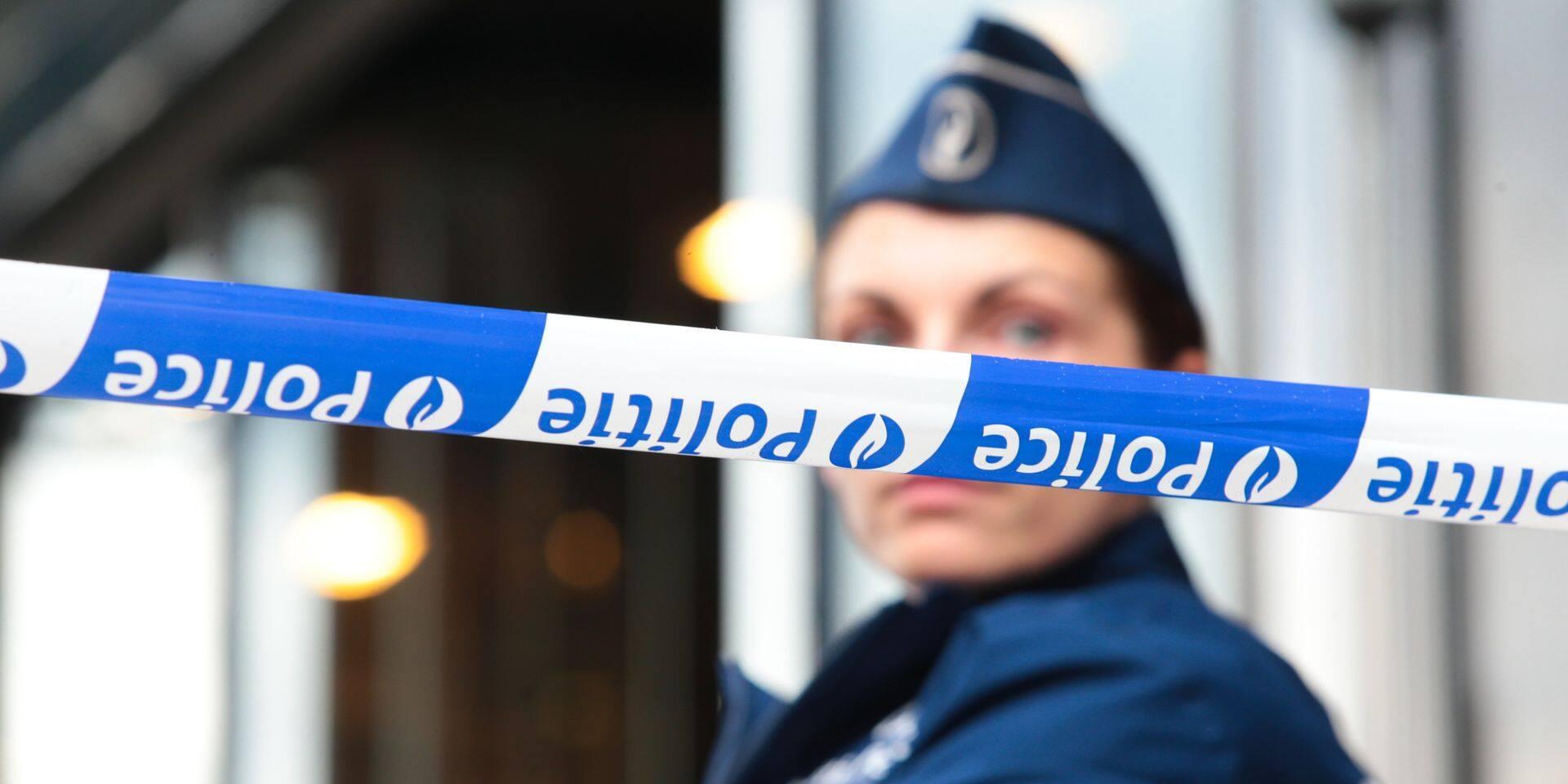 Contrôle du couvre-feu à Bruxelles : un automobiliste tente d'écraser un policier !