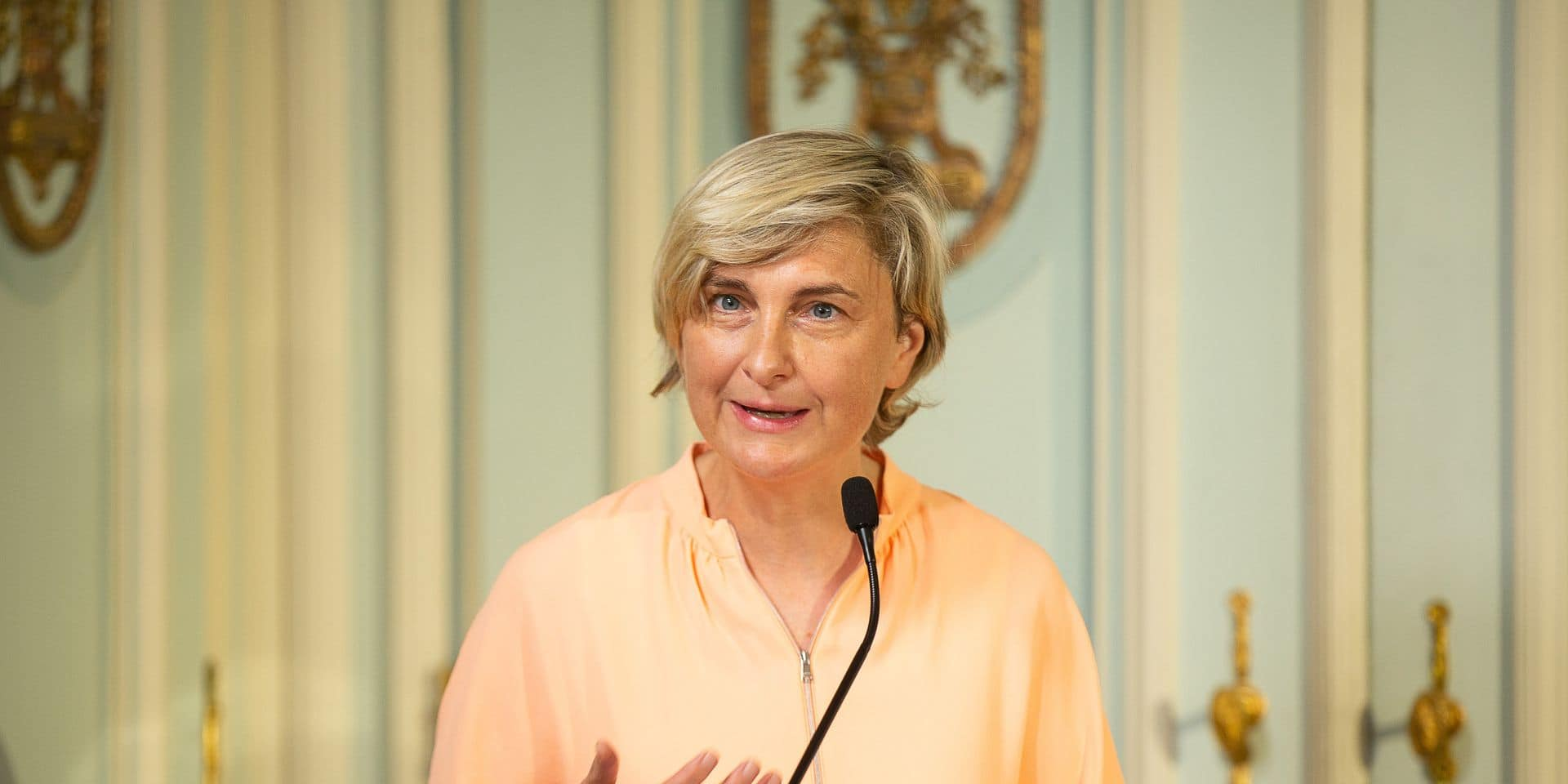 """Hilde Crevits rappelle la loyauté du CD&V au sein du gouvernement flamand: """"Quand vous concluez un accord de coalition, vous le faites pour toute une législature"""""""