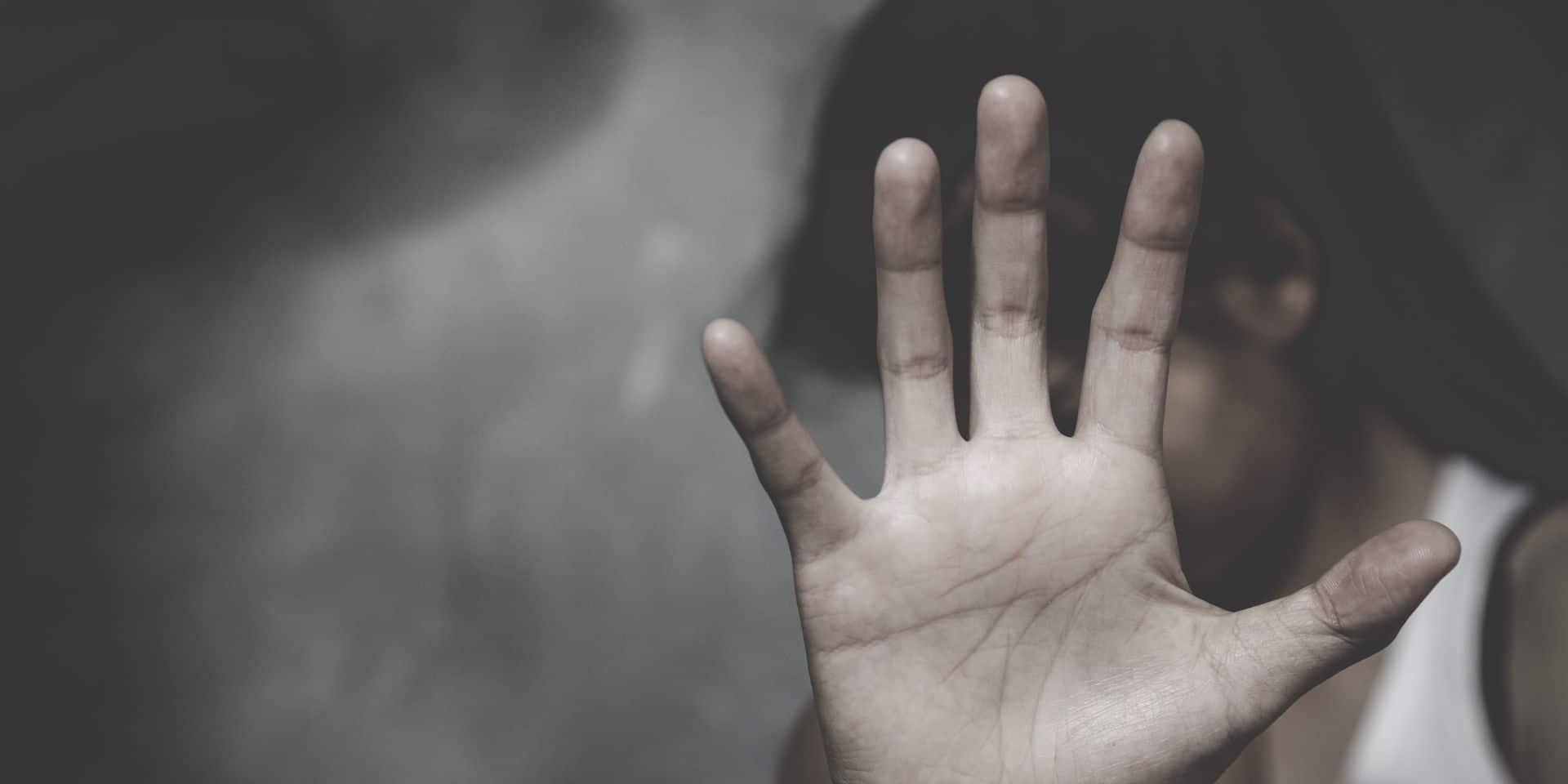 Violence domestique: davantage d'interdictions de résidence durant le premier confinement