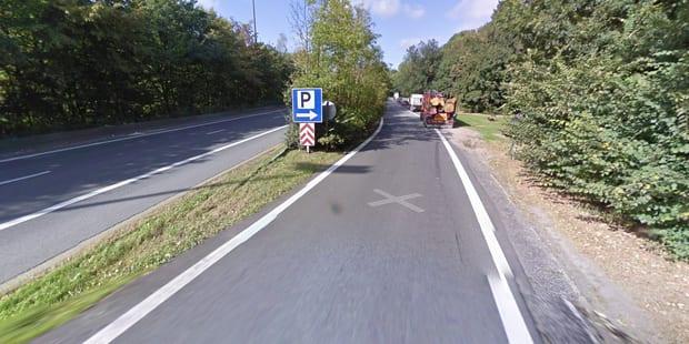 Vaulx : Voiture en feu sur le parking de l'aire d'autoroute de Bourgambray - La DH