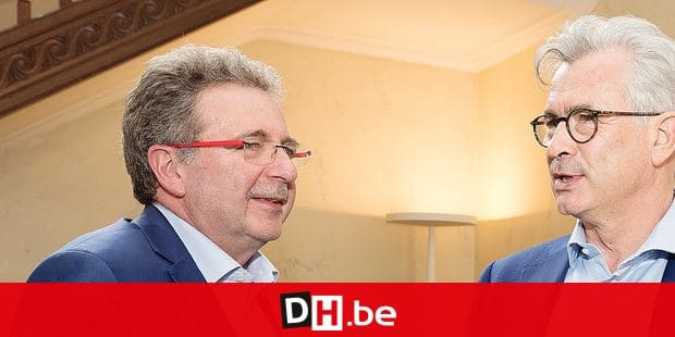 Defi's Bernard Clerfayt (R) is welcomed by Minister-President Rudi Vervoort (L) prior negotiations to form a new Brussels regional Government, Monday 03 June 2019 in Brussels, after last week's elections. BELGA PHOTO BENOIT DOPPAGNE negotiations