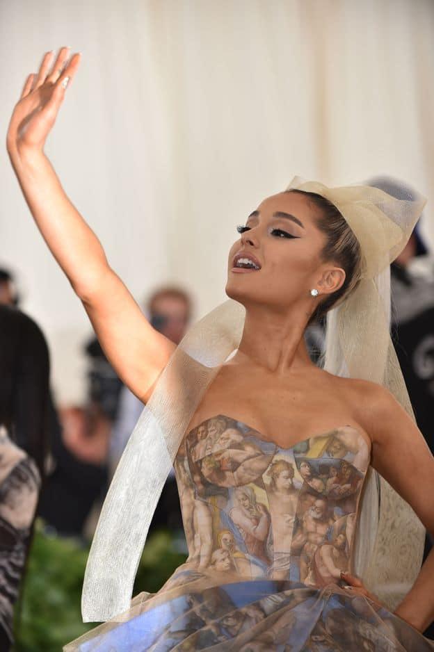 Ariana Grande, esprit Michel Ange.