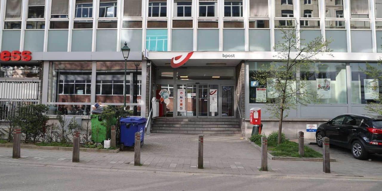 Le responsable du bureau de poste de la Barrière de Saint-Gilles agressé