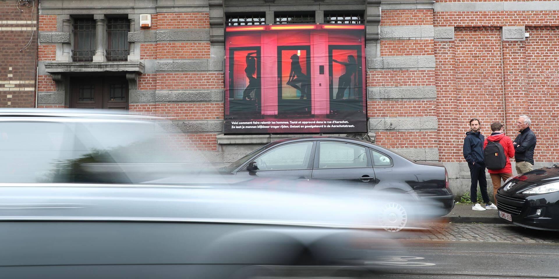 Schaerbeek : Une fausse vitrine de prostituées pour faire ralentir les automobilistes rue Waehlem