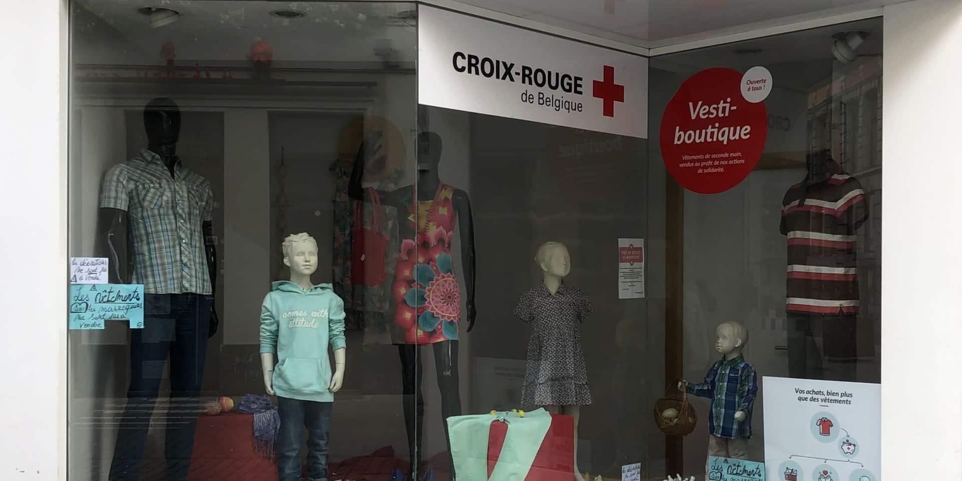 La vesti-boutique de la Croix Rouge est ouverte à tous.