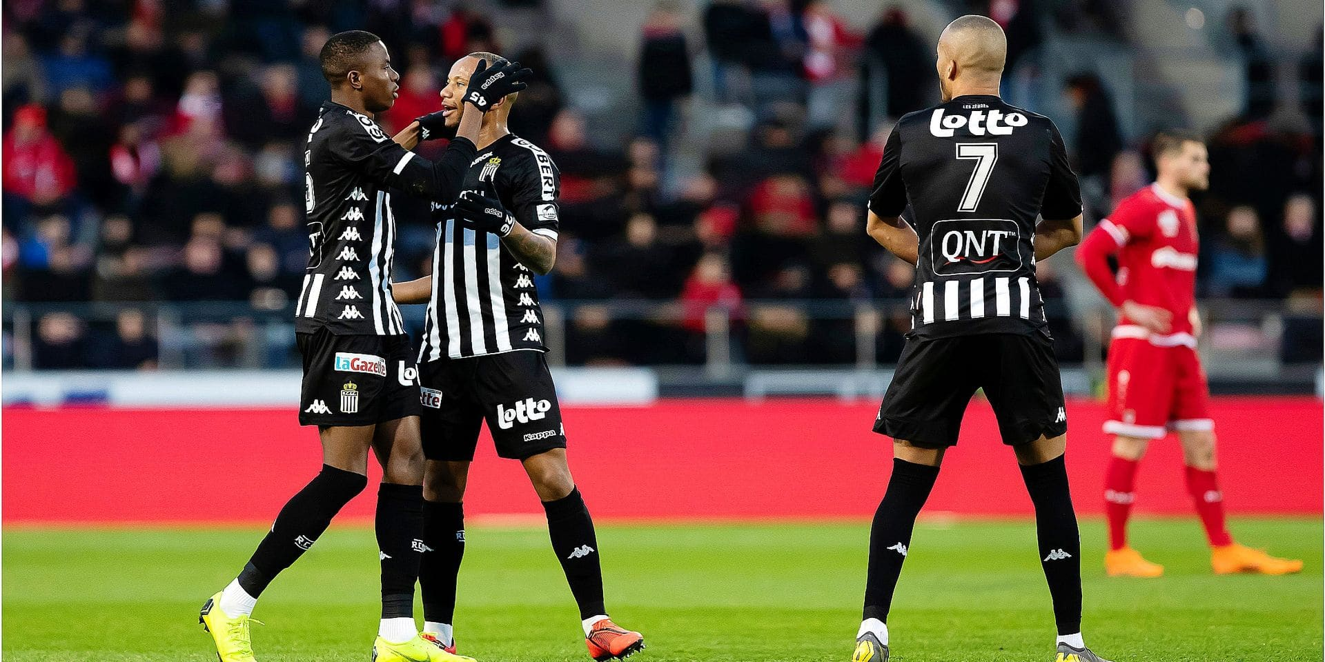 Charleroi's Victor Osimhen celebrates with teammates after scoring during a soccer match between Royal Antwerp FC and Sporting Charleroi, Sunday 10 March 2019 in Antwerp, on the 29th day of the 'Jupiler Pro League' Belgian soccer championship season 2018-2019. BELGA PHOTO KRISTOF VAN ACCOM