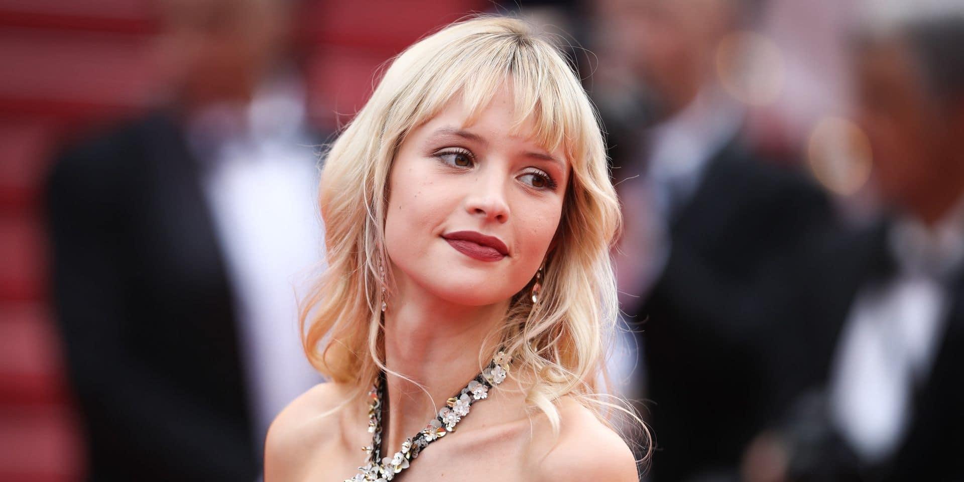 """Angèle, en Pussycat Dolls, présente son """"deuxième enfant"""" (VIDEO)"""